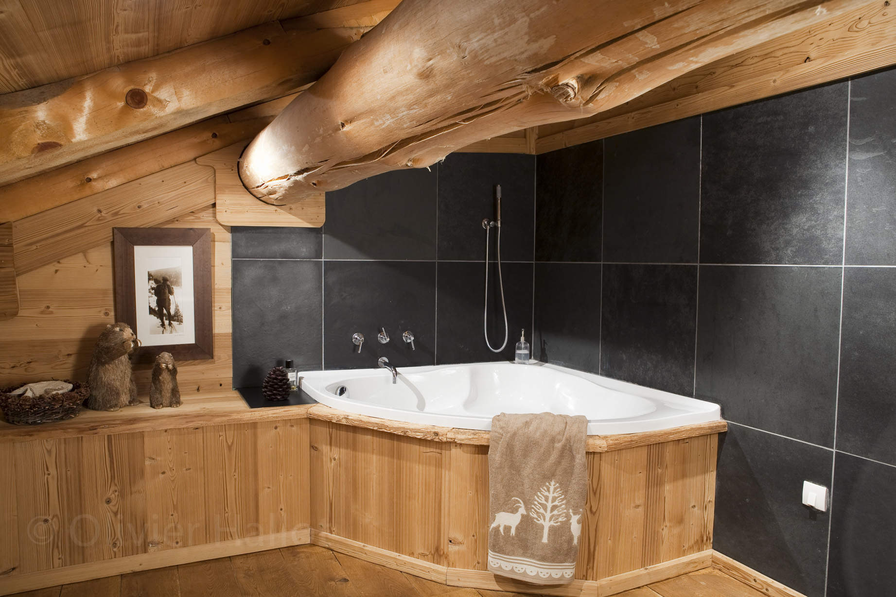 chalets nordika constructeur bois bolqu re pyr n es. Black Bedroom Furniture Sets. Home Design Ideas