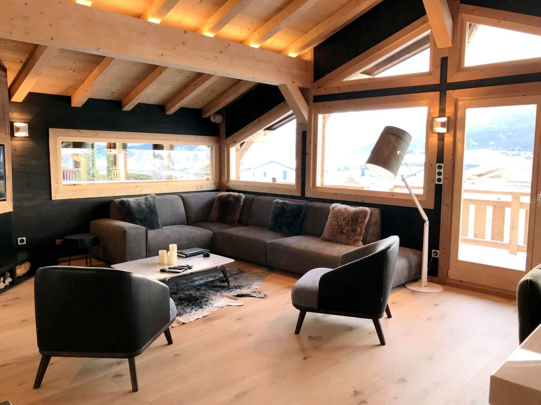 habiller un poteau dans un salon plaquette de parement en pierre naturelle multicolore pose. Black Bedroom Furniture Sets. Home Design Ideas